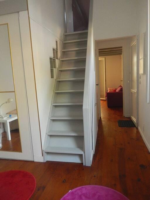 Escalier vers la chambre du haut