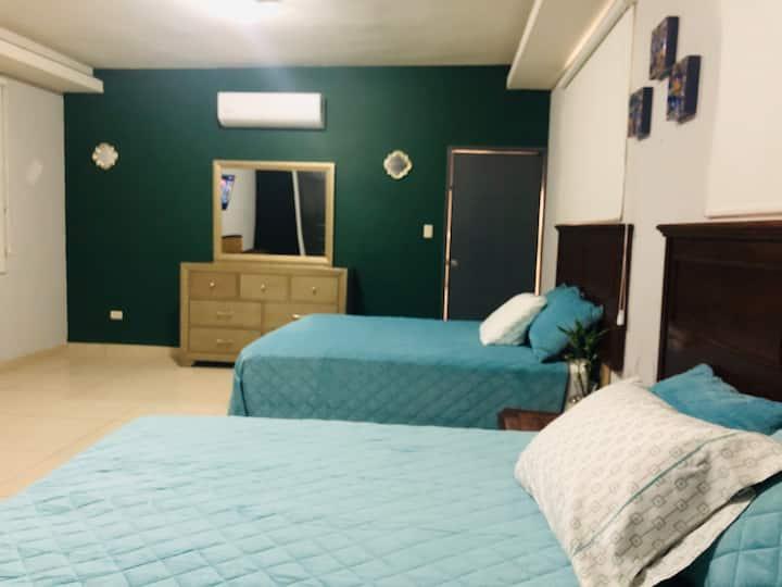 Zona Hotelera. Spacious Apartment in Pitic. 6ppl