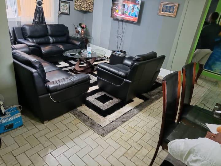 Studio meublé Bonapriso, sur la rue Njoh Njoh