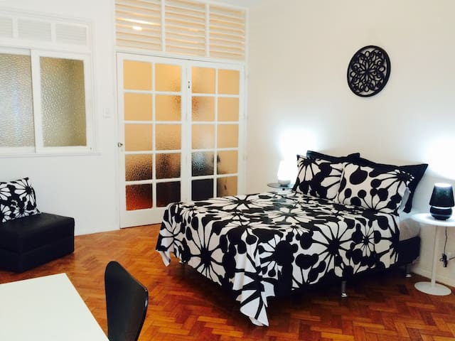CHARMING APARTMENT IN IPANEMA !!!!!