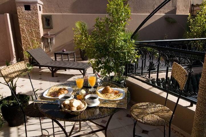 Jolie chambre à Marrakech - Marrakech - Bed & Breakfast