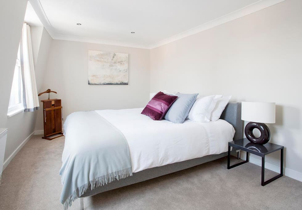 Large Master bedroom with super king size bed
