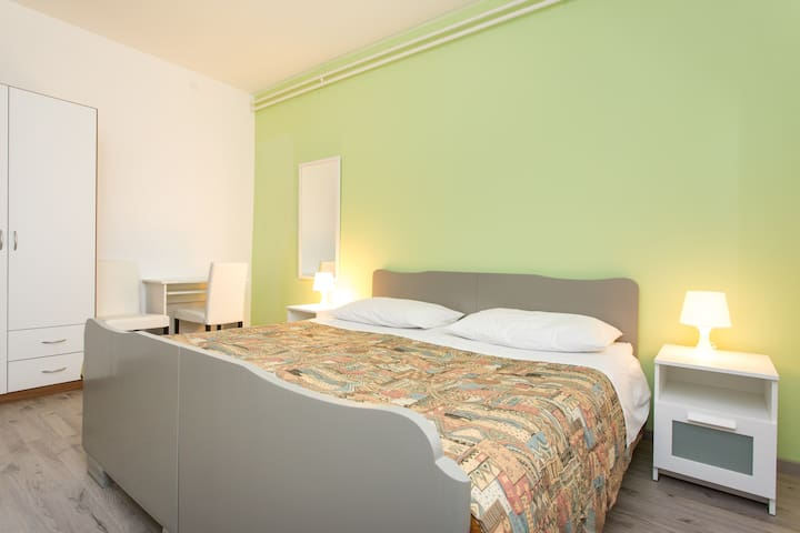 Green double Bedroom near Rijeka - Matulji - Hus