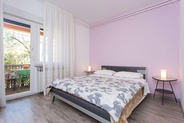 Purple double bedroom near Rijeka