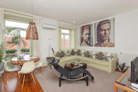 Tudo muito bom: os anfitriões, o apartamento e a região.   Everything is perfect: the apartment, the hosts and the neighborhood.