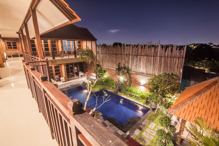 Wiras Village canggu deluxe double bed room1