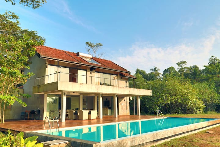 THE LAKE HOUSE - Panadura - Hus