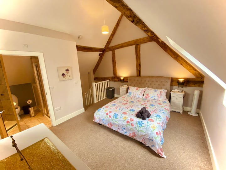 Waters Nook - Lake View Cottage, Nr Shrewsbury