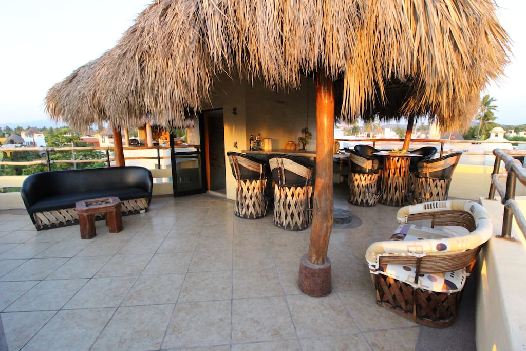 the spacious Palapa (roofdeck)