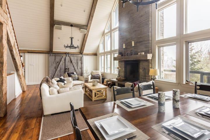 Luxury Chalet Near Beaver Valley Ski Club