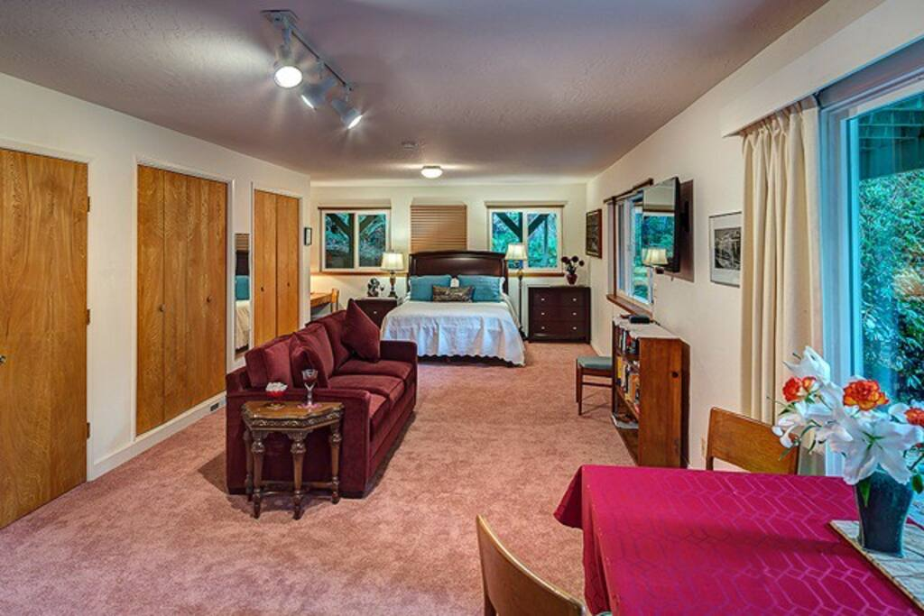 Open floor plan with plenty of room for two. Sleeping, relaxing, watching the redwood out the front windows!
