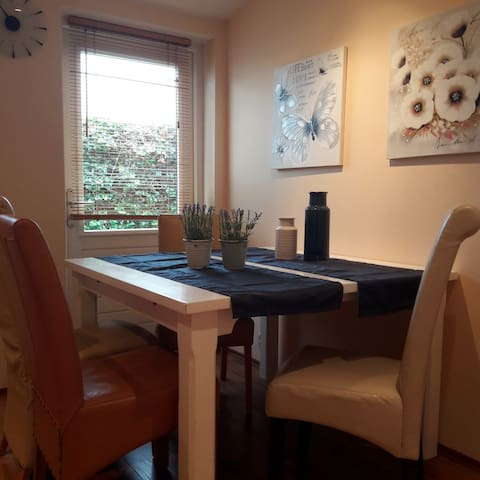 Nice cosy apartment near IJsselmeer, wifi, parking