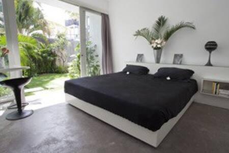 Cozy suite ❤️oberoi best price