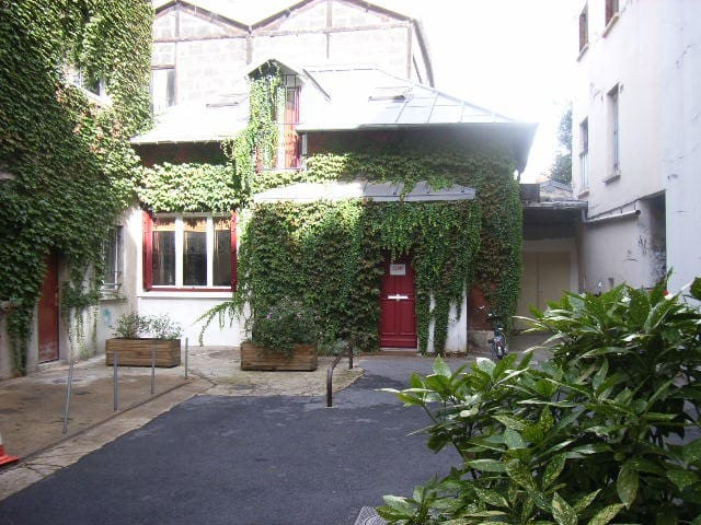 Charming house with a private court - Paris - Hus