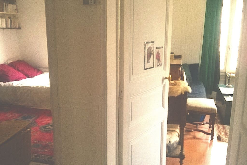 chambre et salon accessible avec entrée indépendante