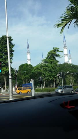 looking for stay in dusseldorf - shah alam - Bed & Breakfast