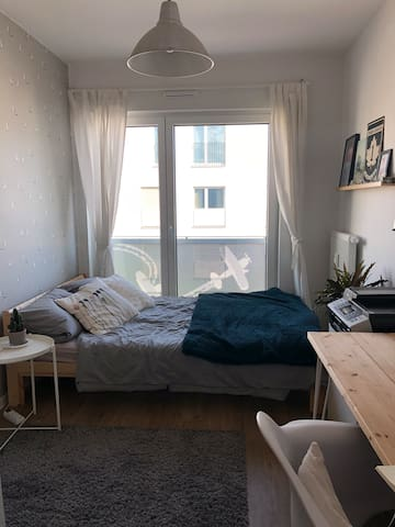 Cosy little room for travellers in Cologne