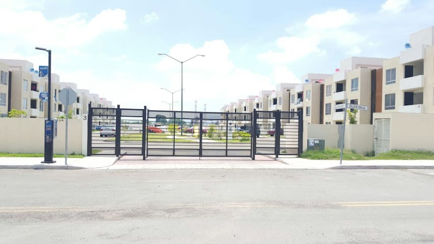 Departamento en fraccionamiento - Tlajomulco de Zúñiga - Appartement