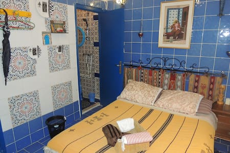 Independent room Condos  30m to Beach - Carthage