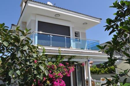 New child-friendly villa in Alacati - Alaçatı Belediyesi - 단독주택