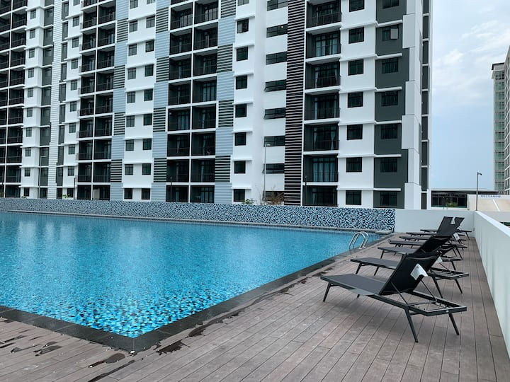 Desaru Utama Apartment with Swimming Pool view