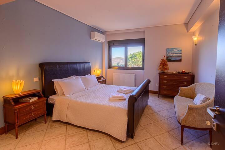 LEVEL -1, KIKO - bedroom sleeps 2 guests in a double bed