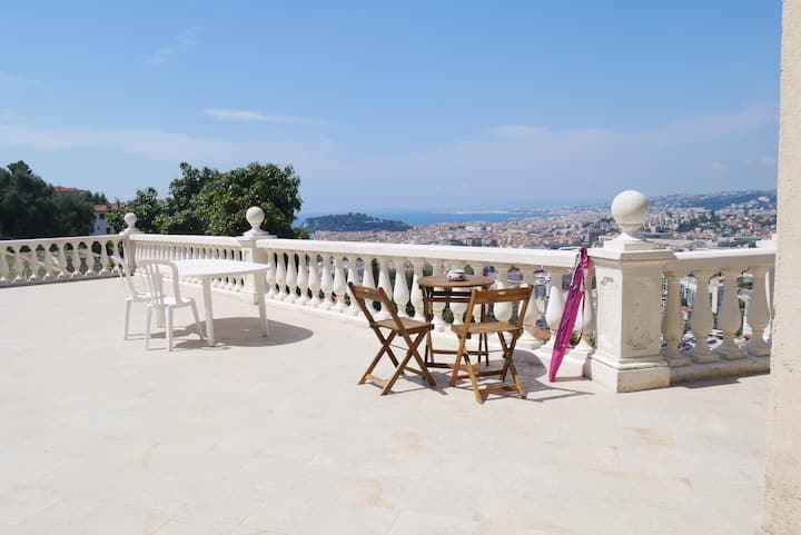 Gorgeous 2 bedrooms guesthouse in Nice