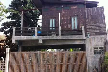 TAI home - Tambon Bang Mae Nang - 附属单元(In-law)