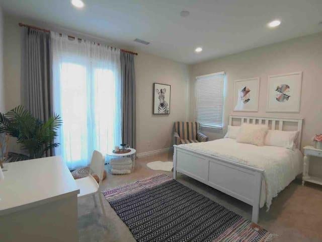 Cozy private room in quite neighborhood,Irvine