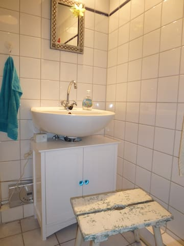 In the heart of Hamburg: downtown St Pauli for 2