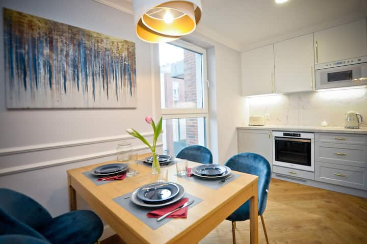 Q4 APARTMENTS - Luksusowy apartament MERCI