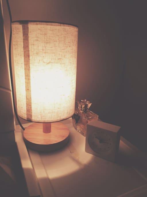客房的时间和灯光。