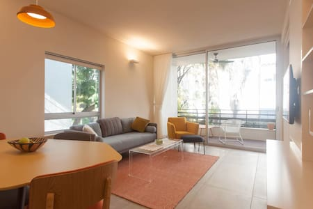 Central Best Location + Spacious Quiet 2BR Balcony - Tel Aviv-Yafo