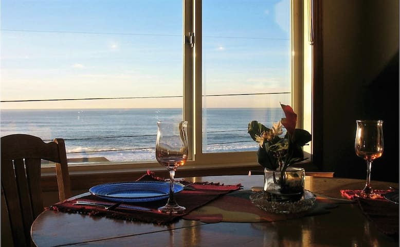 Breathtaking Ocean View Whale Watch