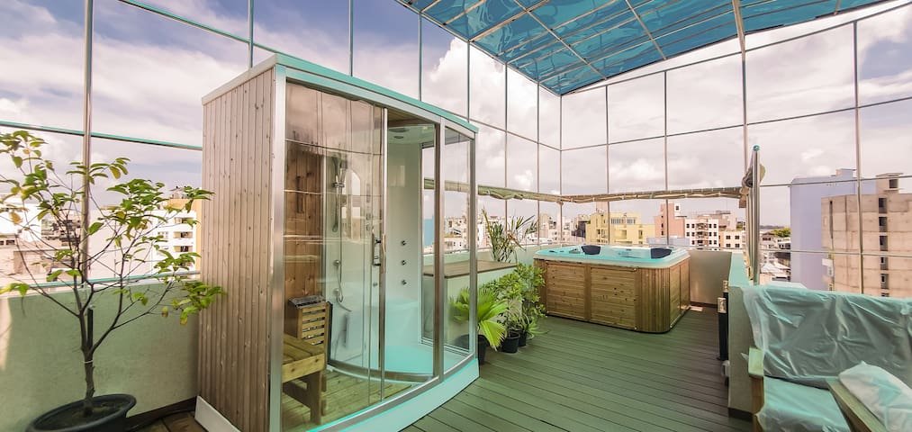 1 Room Penthouse