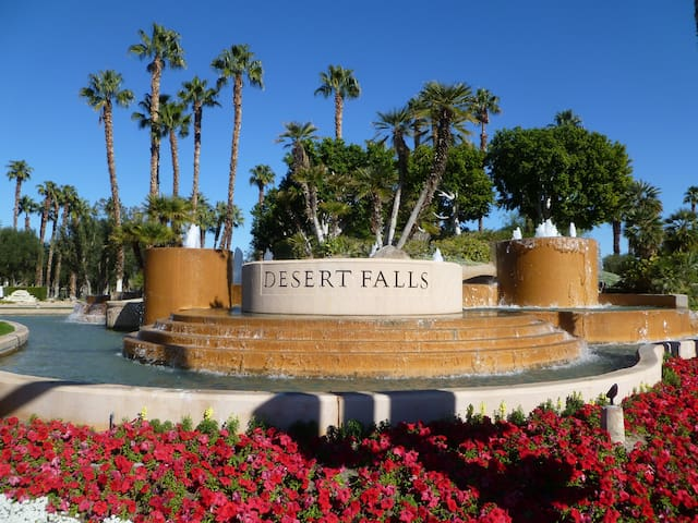 Mtn View Condo w/ Golf, Tennis,Gym - Palm Desert
