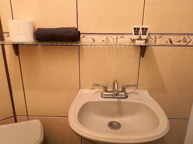 SUITES w/Bathroom - Residencial