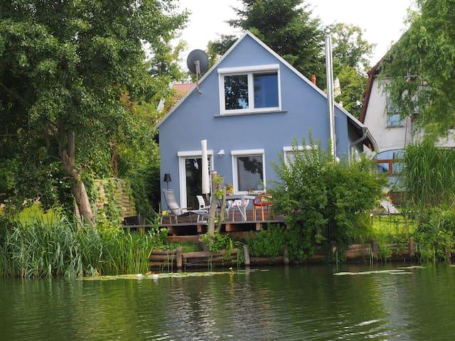 """aufatmen am see! - Seehaus """"Kästner"""" - Lychen - House"""