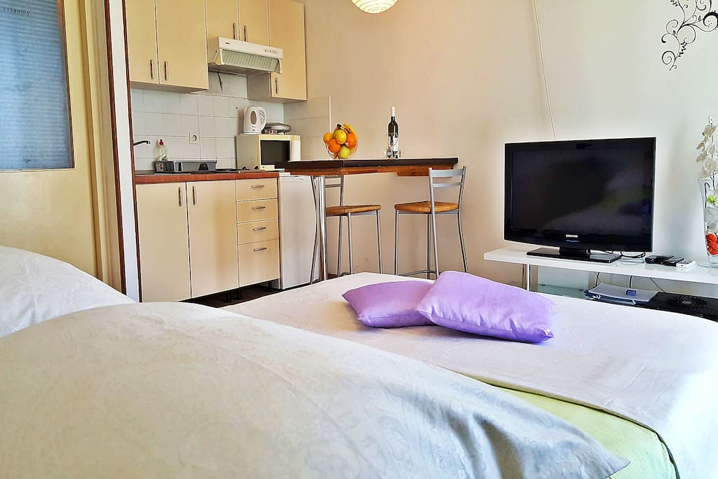 Double bed; Flat-screen TV; Kitchen