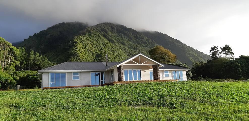 Golden Sands lodge rural setting ocean outlook
