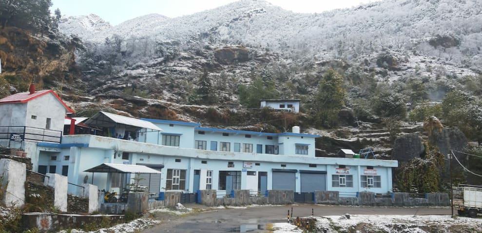 There are 5 temples near by the location & chopta