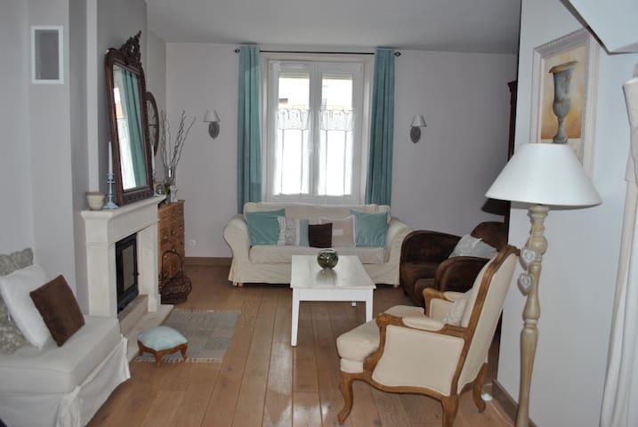 Maison d'habitation à louer pour 24h du Mans - Arnage - Huis