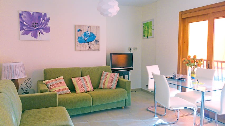 1-bedroom apt. with terrace  and pools. Beach 3min - Arona - Apartamento