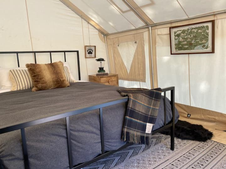 NEW Colorado Glamping Experience- Indoor/Outdoor