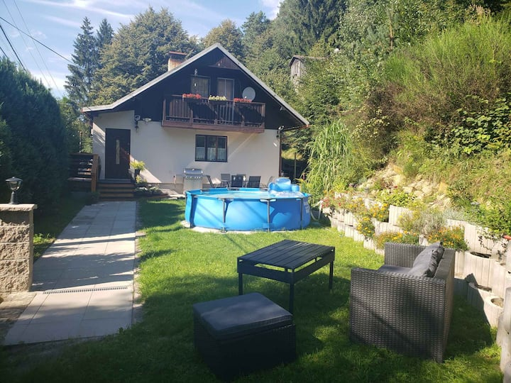 Cottage for 6+2 persons in Janov R102194