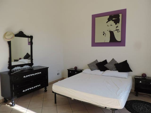 App near the sea,old city centre and ferry to Elba - Piombino - Appartement
