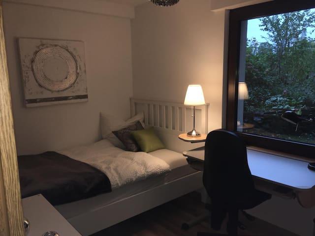Hübsches Zimmer in neuer FeWo