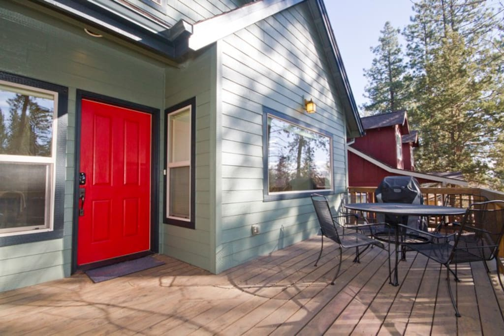 Front Deck with gas barbeque grill and patio seating for four