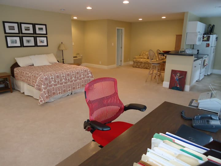 Loft in Myers Park - Great Location