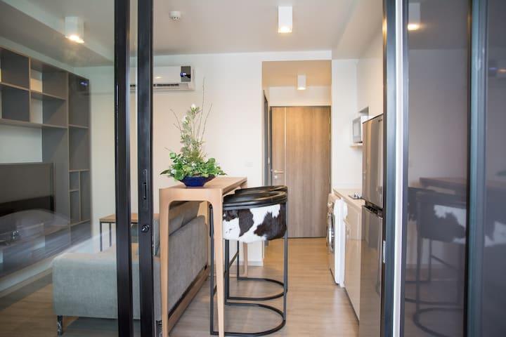 Entire condo 1 Bedroom/free wifi/@PleonJit BTS-121
